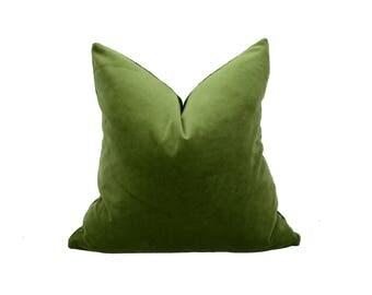 moss green velvet pillow case // moss green velvet cushion  // moss pillow cover // green velvet pillow