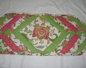 Spring Paisley Quilted Table Runner