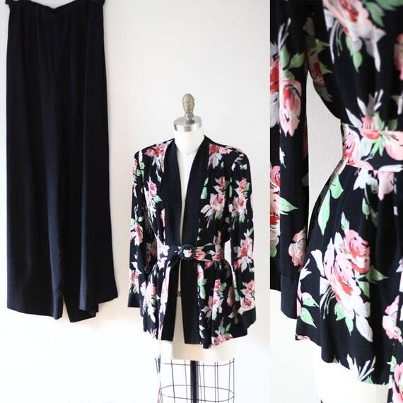 1930s black floral beach pajamas //  1930s beach pyjamas // vintage beach pyjamas