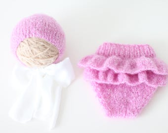 Newborn girl - Newborn props - Newborn shorts - Baby girl props - Photo props - Baby photo prop - Newborn baby photo - Pink - Baby girl