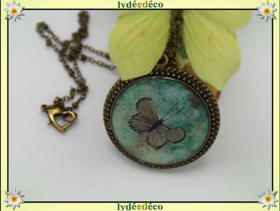 Necklace, retro vintage Green Butterfly and taupe resin and brass Locket 25mm heart clasp ball chain