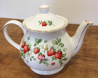 Vintage teapot by Sadler in strawberry design
