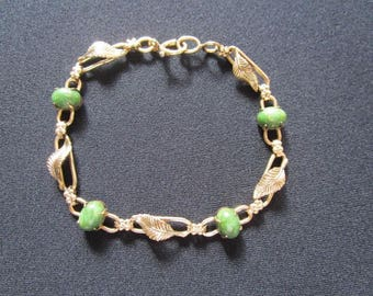 Lovely Vintage 1/20 12K GF 12K WRF Yellow Gold Filled With Oval Cut Green Jade Cabochon Stone Leaf Leaves Design Panel Link Ladies Bracelet