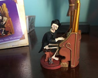 Hallmark keepsake ornament Old Ned The Musician handcrafted and die cast metal