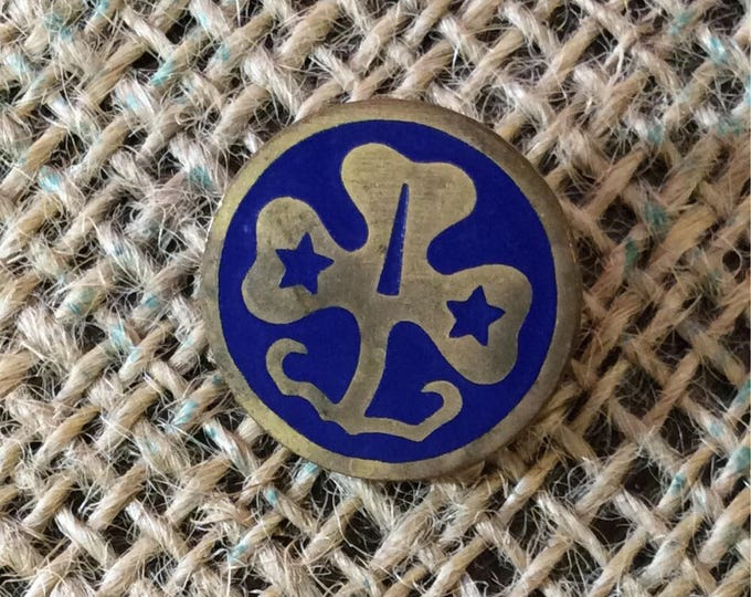 Girls Scout world Trefoil pin, vintage Girl Scout Pin, vintage Girls Scout accessories, Cub Scouts pins, pin back collector, Girl Scouts