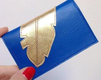 Porte-cartes en cuir Bleu orné d'un motif plume Or cousu doublure tissus japonais