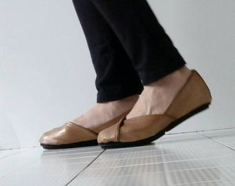 Handmade brown reptile leather flat shoes
