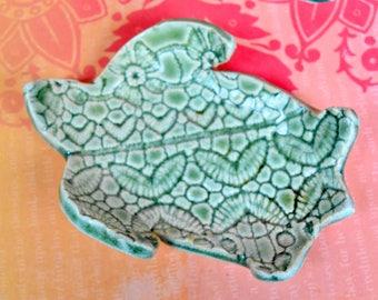 Turtle coffee tea spoon rest. Turtle ring holder. Sea turtle ring holder. Turtle chopstick holder. Ceramic Turtle  tiny dish. Turtle dish.