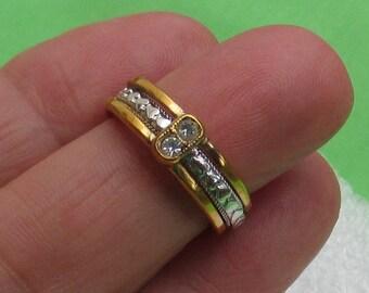 Vintage Avon Hearts  Two Tone Rhinestone Ring