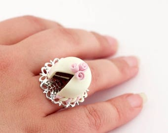 Cute ring - birthday cake ring - unique gift - food jewellery - gift for her - gift for baker - birthday jewelry gift ideas for girl