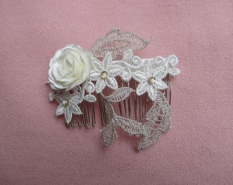 Bridal hair comb silver with flower on lace fabric and golden leaves