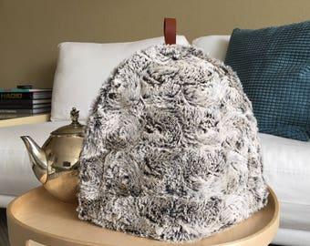 tea cosy, tea-cozy fake fur, fashionable tea-cosy, teapot warmer, Scandinavian Design, tea cosy exclusive, tea cozy stylish,elegant tea cozy