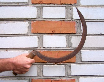Vintage Hand Forged Sickle. Vintage hand tool. Old Primitive Farmer's Sickle. bagging hook. hand-held agricultural tool. Rustic decor