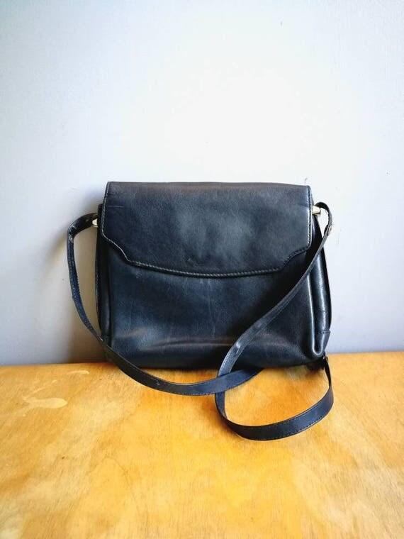 90s leather shoulder bag // 90s shoulder purse // navy blue leather purse // boho leather bag // small navy purse // navy handbag