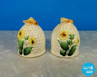 Vintage Bee Hive Salt and Pepper Shakers - Yellow Flowers - Bees - Honeybee Kitchen Salt and Pepper