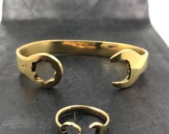 Bracelet and Key Ring English