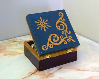 Hand painted wooden trinket box - Snowflake/Christmas