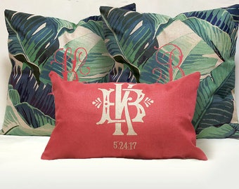 Mr and Mrs Pillow cover Wedding Pillows cover set.Custom Monogrammed Pillow cover sets with Mr Mrs Name