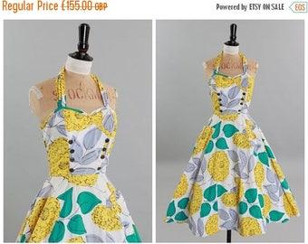 ON SALE Vintage original 1950s 50s overblown floral print cotton dress w full skirt UK 8 Us 4 Xs S