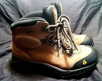 Women's Vasque Hiking Boots size 8.5