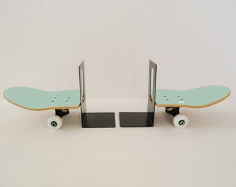 Collection skateboard complete furniture for skateboarder - Gift idea  birthday or christmas - skate bookend mint
