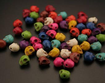 "60 ""Synthetic Howlite"" dyed beads. (ref:2999)."