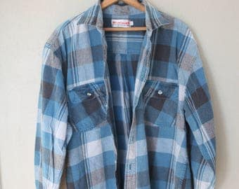 vintage distressed blue & navy plaid buffallo checkered grunge flannel button up shirt