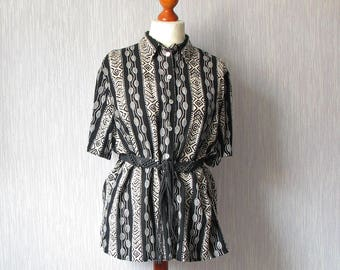 Black Abstract Pattern Shirt Short Sleeve Vintage 90s Grunge blouse Size Xl