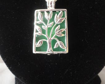 Changeable Green, Pink and Fuschia Tree Of Life Silver Necklace******.