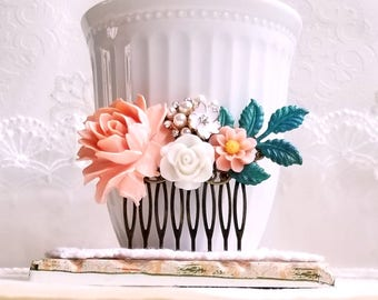 Peach roses Country garden hair accessory Shabby chic jewelry Floral wedding and bridal hair comb Patina leaf