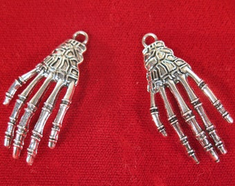 """BULK! 15pc """"skeleton hand"""" charms in antique silver style (BC1297B)"""