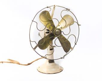 Fenya Fan. Manufactured in Ferrol, A Coruña. 40's 50's