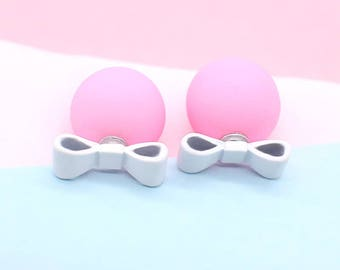 Ball Perle Double knot earrings pink and white