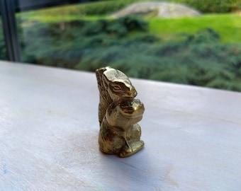 Lovely miniature brass squirrel, vintage