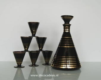 Conical liqueur Set, carafe and six glasses of Hyaliet glass, Doyen Belgium manufactured circa 1950.