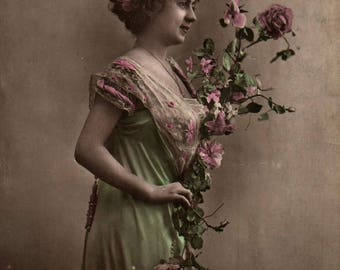 Amitiè French Vintage Postcard. Lady with flowers