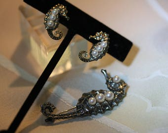 Elegant Vintage Mikimoto Sterling and Pearl Seahorse Set