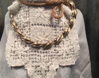 Vintage Gold Tone Metal Leaf Link Collar Necklace