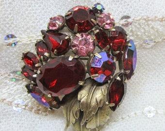 Vintage Jewelry - Red Rhinestone Brooch Pin - Regency?