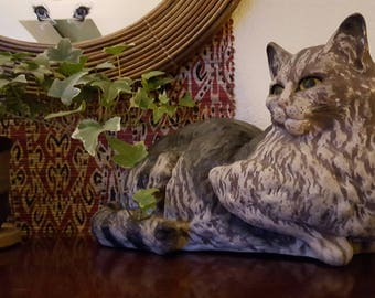 Vintage hand-painted ceramic cat made in Portugal