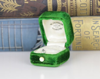 Antique Ring Box Green Velvet Engagement or Wedding Ring Box
