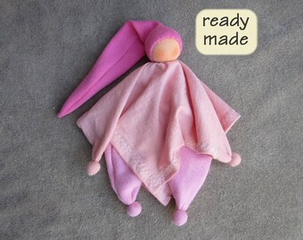 Waldorf cuddle doll for children, readymade, handmade. Waldorf doll 'Kroeleke', natural materials. Ready to ship. (KRO03)