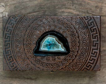 box, wooden box, jewelry box, engraved wooden box, custom box, keepsake box, agate, vintage jewelry box, casket, antique, pyrography, wood