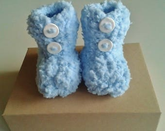 Let us put on baby birth in 12 months sky blue hand-knitted
