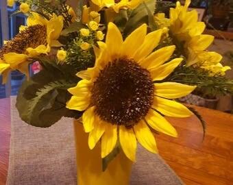 Sunflower Flower Arrangement, Yellow Sunflowers, Fall Floral Decor, Fake Flowers, Yellow Flowers, Artificial Floral Arrangement
