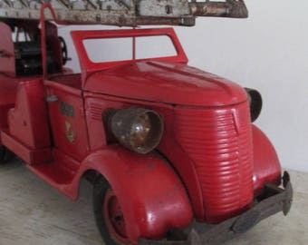 antique French fire truck big size tin toy Vebe