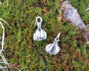 10 Beautiful 3D Garlic Clove Pendant Charms 15mm Tibetan Style Silver