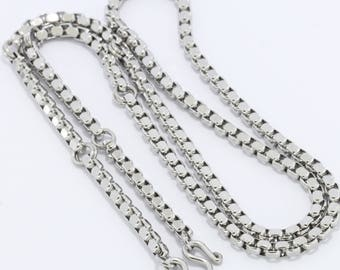 Stainless steel necklace ,7 hooks.(No.11)