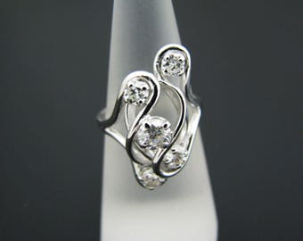 a344 Unique Stunning 5 Diamond Swirled Ring in 14k White Gold