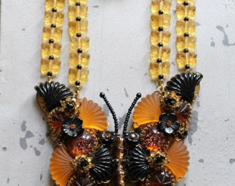 Runway Stanley Hagler N.Y.C. Butterfly Necklace Matching Clip Earrings Glass Beads Extravagant Beauty Fall Colors